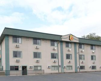 Super 8 by Wyndham Green River - Green River - Building