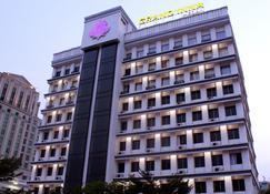 Grand Inna Medan - Medan - Building