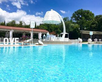 Bel Sito Hotel Due Torri - Авелліно - Басейн