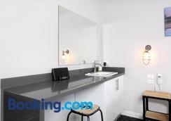 Merewether Motel - Newcastle - Bathroom