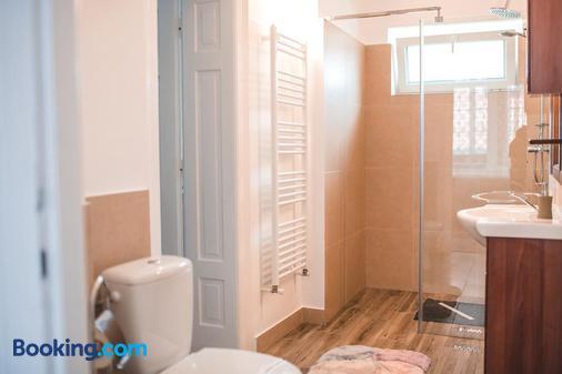 Guesthouse Casa Baciu - Sibiu - Bathroom