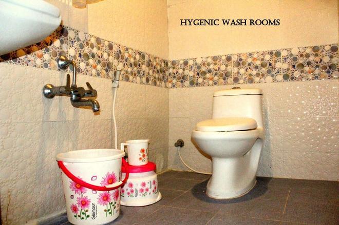 Oyo 11694 Abs Comforts - Mysore - Bathroom