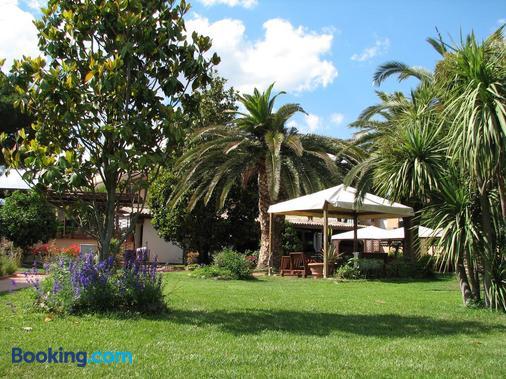 Hotel Velcamare - Tarquinia - Κτίριο