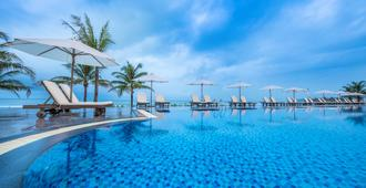 Vinpearl Discovery Greenhill Phu Quoc - Phu Quoc - Piscina