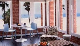 Venice Breeze Suites - Los Ángeles - Habitación
