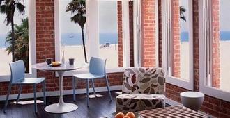 Venice Breeze Suites - לוס אנג'לס - חדר שינה