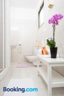 Hotel Roma - Pisa - Bathroom