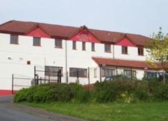 Bessemer Hotel - Merthyr Tydfil - Building