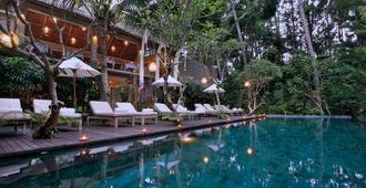Puri Sunia Resort - Ubud - Piscina