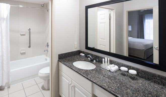 Homewood Suites Miami Airport/Blue Lagoon - Miami - Bathroom