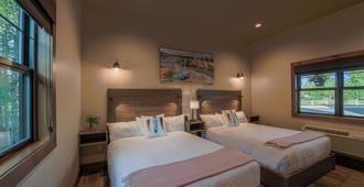 Golden Stone Inn - West Yellowstone - Bedroom