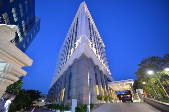 PR Grand - Madrás - Edificio