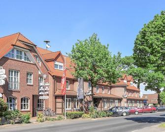 Hotel Hennies - Isernhagen - Edificio