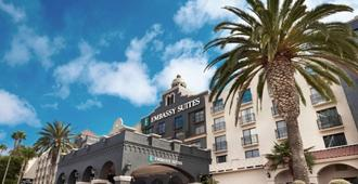 Embassy Suites by Hilton Los Angeles Int'l Airport South - El Segundo