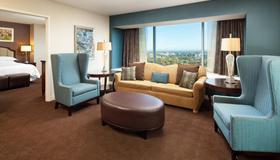 Sheraton Grand Sacramento Hotel - Sacramento - Living room