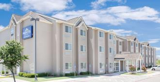 Microtel Inn & Suites by Wyndham San Angelo - סן אנג'לו