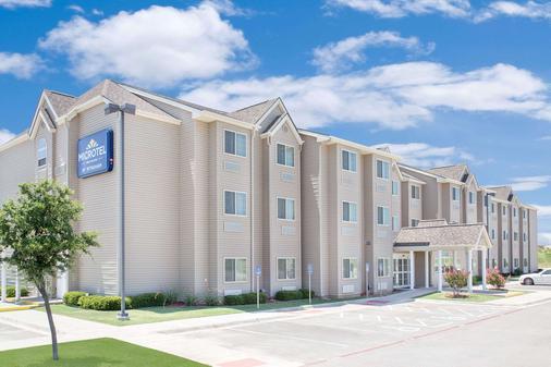 Microtel Inn & Suites by Wyndham San Angelo - San Angelo - Building