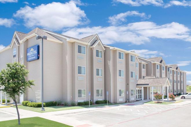 Microtel Inn & Suites by Wyndham San Angelo - San Angelo - Toà nhà