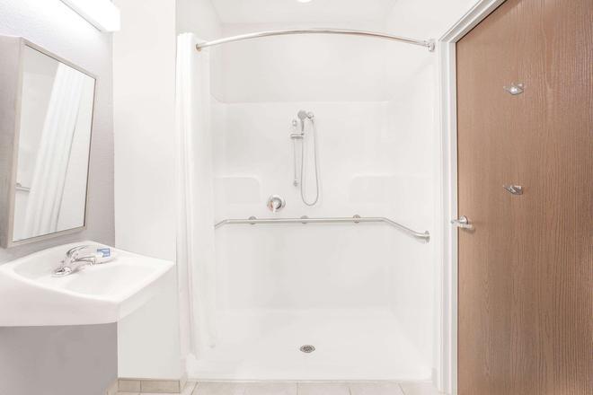 Microtel Inn & Suites by Wyndham San Angelo - San Angelo - Phòng tắm