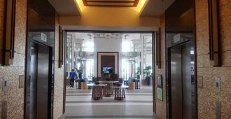 2 Bedroom Modern Resort Amenities - Manila - Lobby