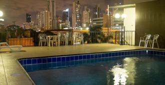 Hotel Latino - Cidade do Panamá - Piscina