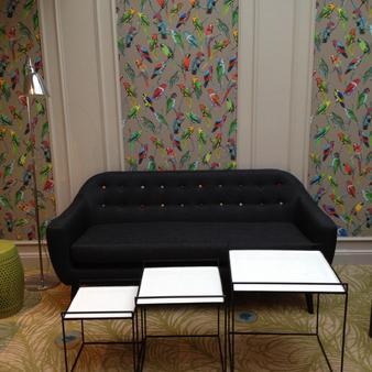 Best Western Hotel Litteraire Gustave Flaubert - Rouen - Living room