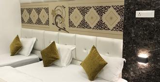 Hotel Mmk - Kanpur