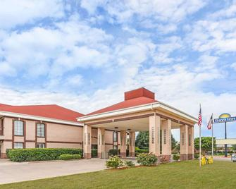 Days Inn by Wyndham Granbury - Granbury - Gebouw