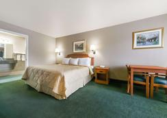 Days Inn by Wyndham Granbury - Granbury - Makuuhuone