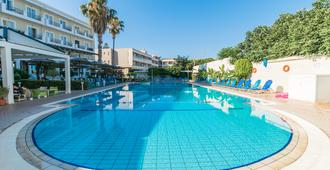 Kos Hotel Junior Suites - Kos - Pool