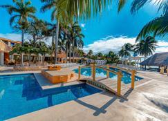 Pa Beach Club & Hotel By Guruhotel - Пуэрто-Авентурас - Бассейн