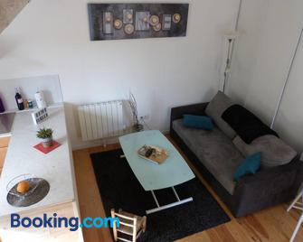 Appart D'hotes Brive Ouest (Ussac) - Ussac - Living room