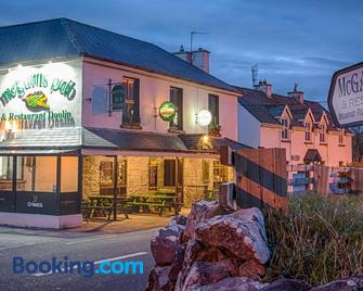 The Pipers Rest - Doolin - Building