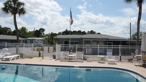 Carters Motel and Mobile Home Village - Edgewater - Pool