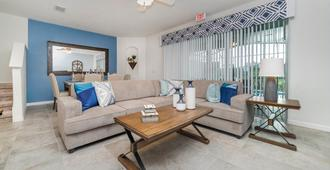 Solterra Resort 4 Bed 3.5 Bath Townhome With Splash Pool - Davenport - Wohnzimmer