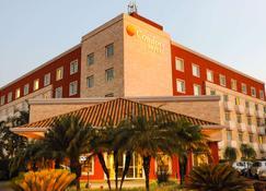 Comfort Hotel Araraquara - Araraquara - Building