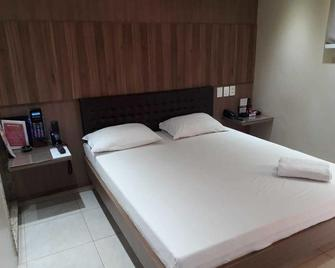 Motel Alvorada - Adults only - Rio Verde - Bedroom