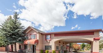 Days Inn by Wyndham Flagstaff I-40 - Flagstaff - Building