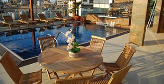 Elite Hotel & Spa - Beirute - Piscina