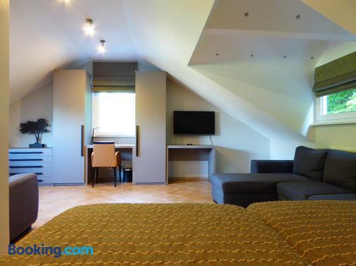 Appart-Hotel Gwendy - Tuntange - Bedroom
