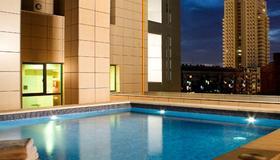 Hotel Valencia Center - Valencia - Piscina