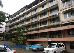 Hotel Surya - Mangalore - Building
