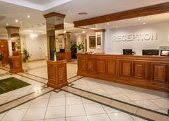 Best Western Plus Lido Hotel - Timisoara - Front desk