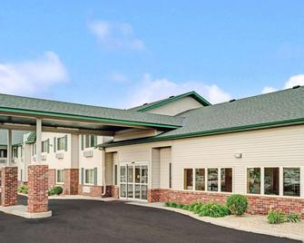 Super 8 by Wyndham Rogers Minnesota - Rogers - Building