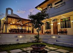 Casa Marina Bed And Breakfast - Pagsanjan - Building