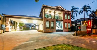 Athena Motel Apartments - Toowoomba - Building