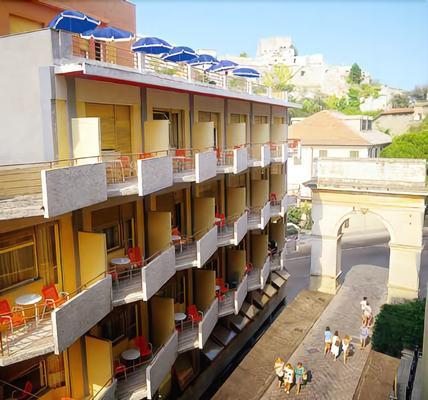 Hotel Colibrì - Finale Ligure - Edificio