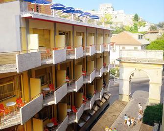 Hotel Colibrì - Finale Ligure - Building