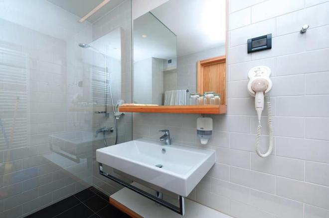 Resort Amarin - Rovinj - Phòng tắm