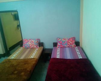 Osbert Lodge - Cherrapunji - Bedroom
